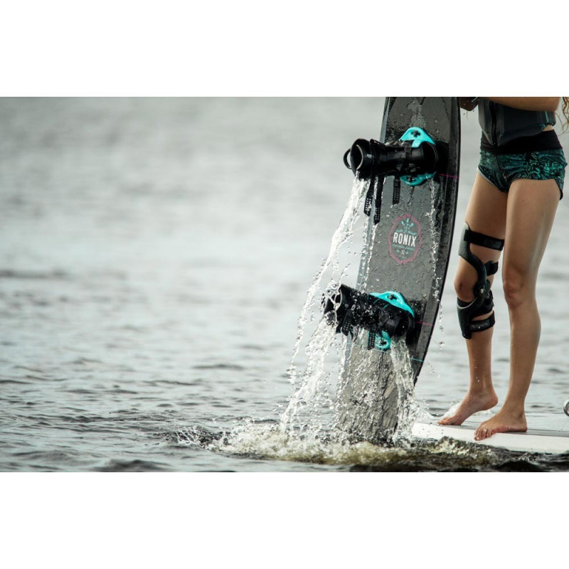 Ronix Halo girl chausses wakeboard femme 2021