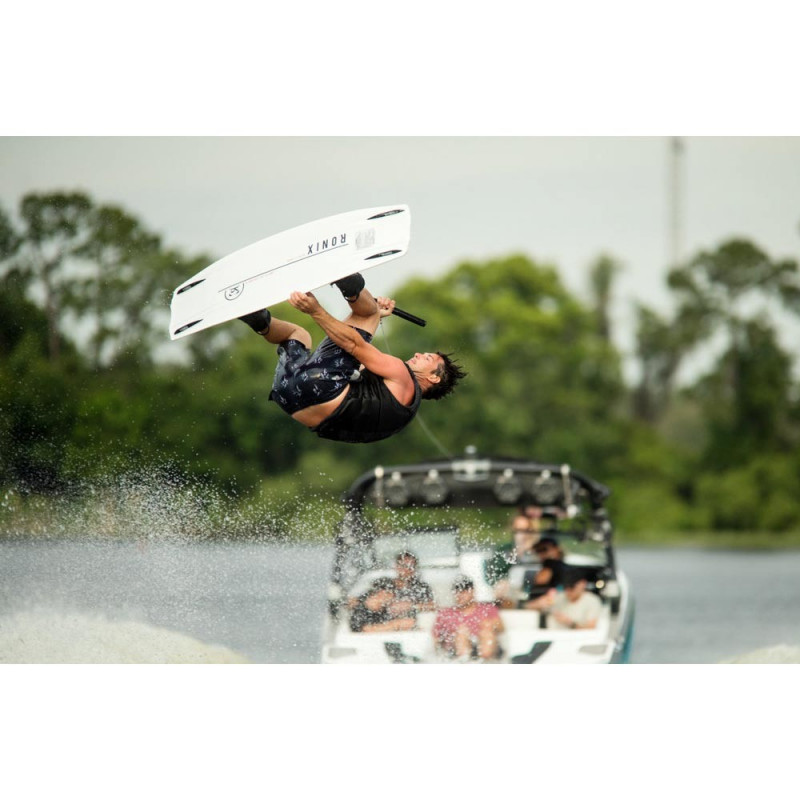 Ronix ONE fused core 2020 wakeboard bateau